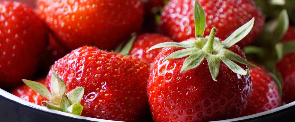 Erdbeeren für Panna Cotta