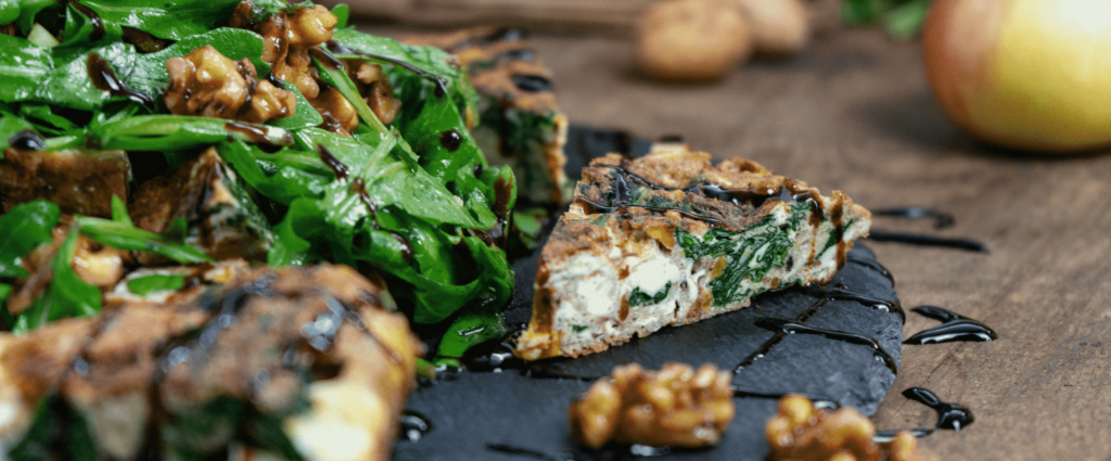 Frittata mit Herbstsalat und Wallnüssen
