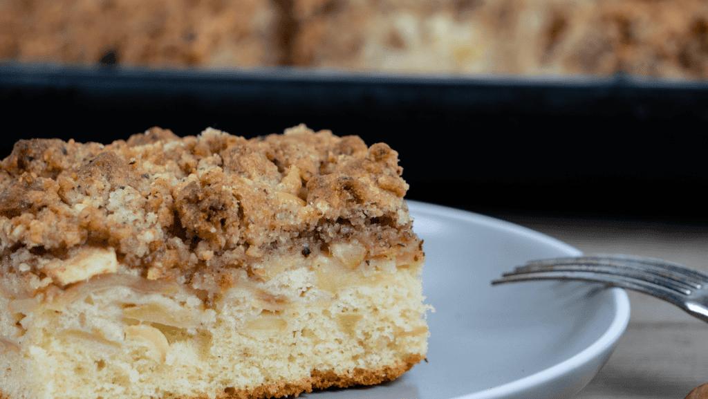 Rezept für Apfelkuchen mit Haselnuss-Streusel