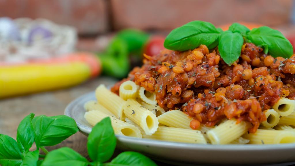 Rezept für vegane Bolognese mit roten Linsen