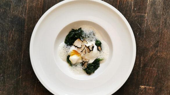 Rezept: Pochiertes Ei mit Trüffel und Spinat